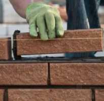 Как выполняется кладка кирпича на фундамент