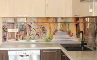 Плюсы и минусы пластикового фартука на кухне