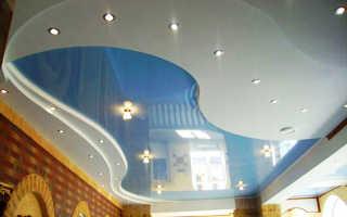 Какой потолок в зал глянцевый или матовый